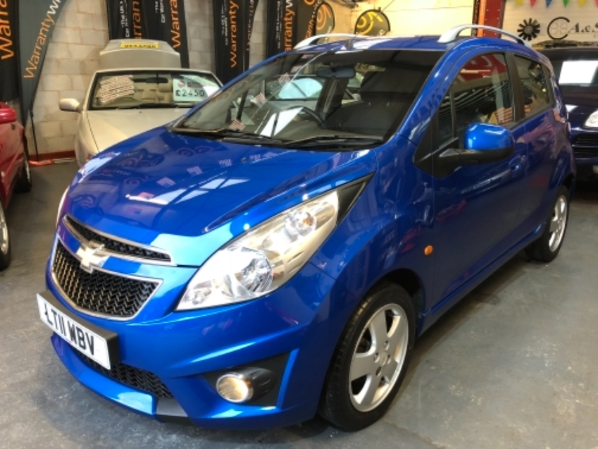 View CHEVROLET SPARK LT