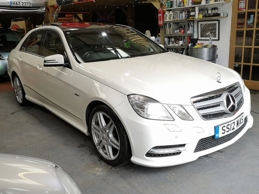 View MERCEDES E CLASS E220 2.1 CDi BlueEFFiCiENCY 7G-Tronic Auto Sport