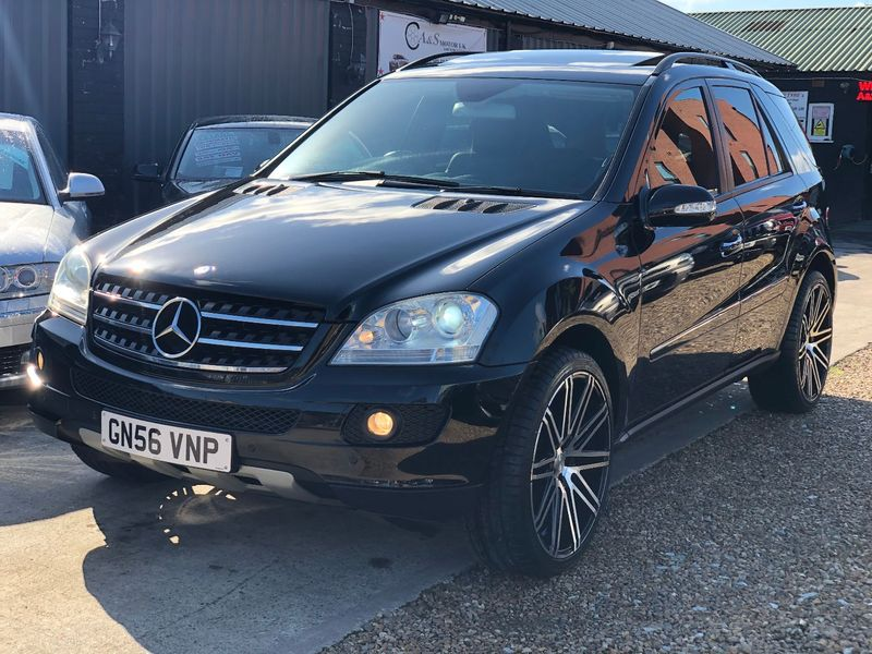 MERCEDES M CLASS ML500 5.0 V8 Muscle Tip Auto SE W164 German Muscle